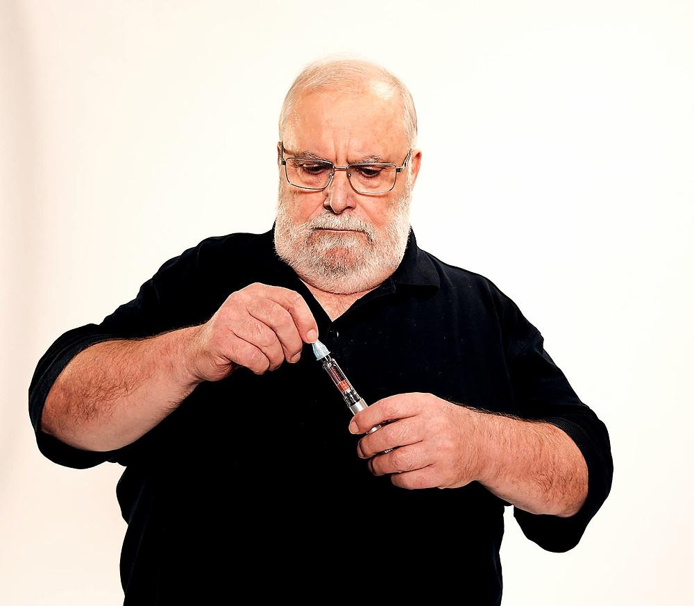 Klaus mit Insulinpen