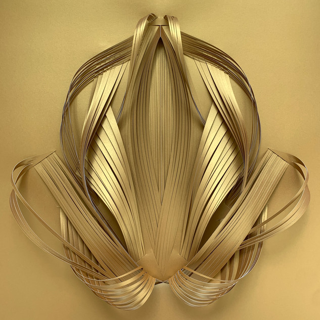 Serie organicidad metálica, oro 05