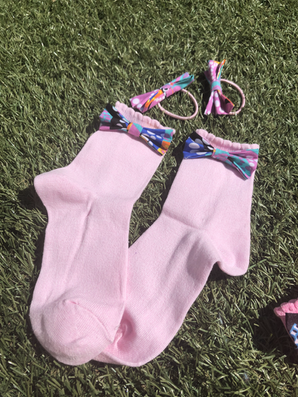 Socks and clip set.