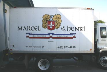 marcel e henri truck (v).jpg