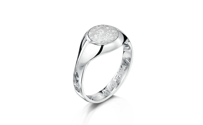 Signet White Gold Clear