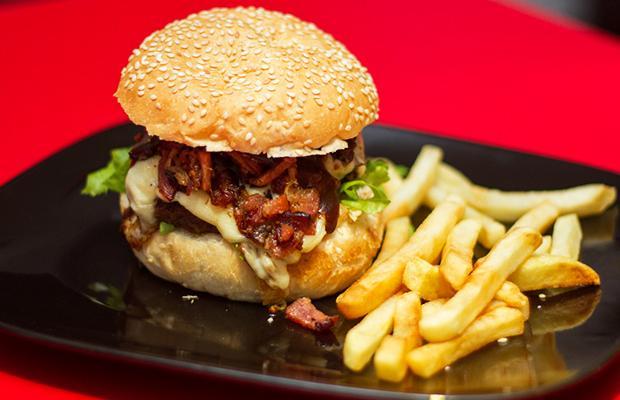 Burger com Fritas