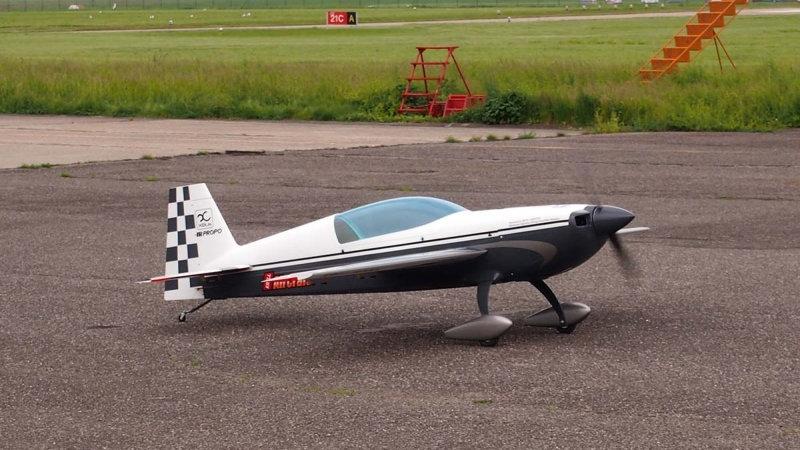 EXTRA 330LX - 37% RACER