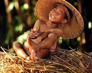Γι'αυτό σας λέω να γελάτε έντονα,να αγαπάτε βαθιά,να ζείτε ολοκληρωτικά!