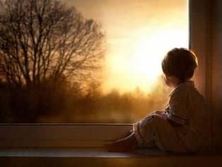 Ανοίγοντας κάθε πρωί τα ματιά μου και το νου μου....