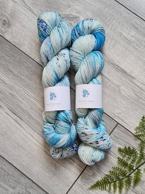 In the Shallows 4ply/Sock Platinum Yarn
