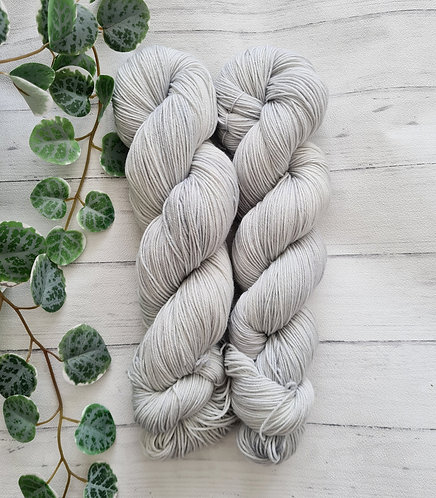 Silver Fern 4ply / Sock Platinum Yarn
