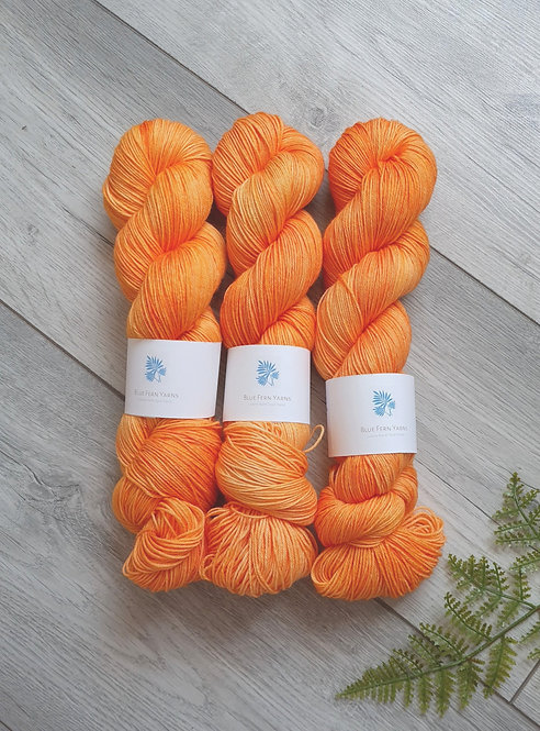 Freshly Squeezed 4ply/Sock Platinum Yarn