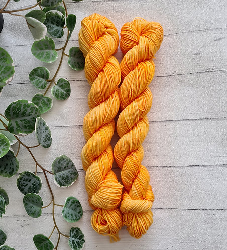 Freshly Squeezed 4ply / Sock Platinum Yarn