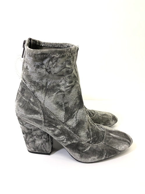 Nine West velour boots Size 5