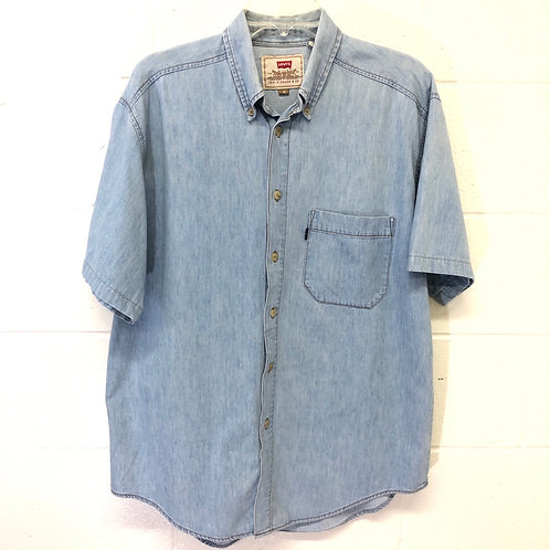 Levi's chambray button up shirt