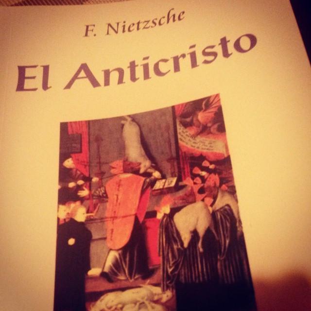 """Instagram - #nowreading """"El Anticristo"""" de Nietzsche: """"La fe no mueve montañas,"""