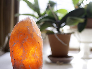 The Himalayan Salt Lamp: What Do They Really Do For You?