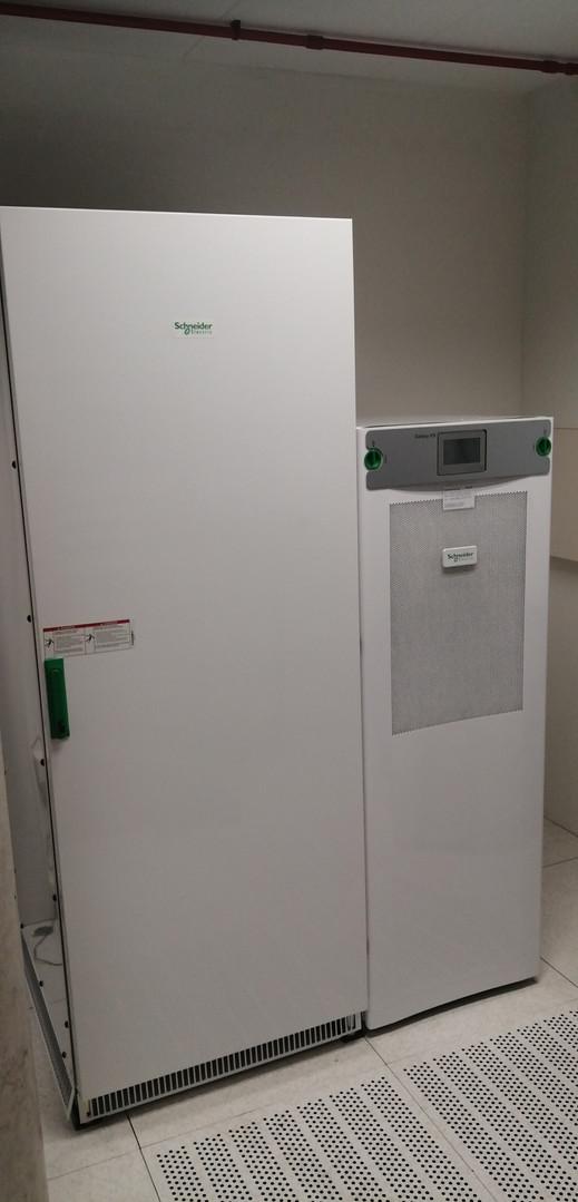 Schneider Electric UPS