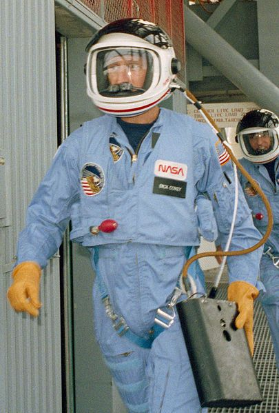 From STS-5 (1982) to STS-25 (1986) no pressure suits were worn during launch and reentry.