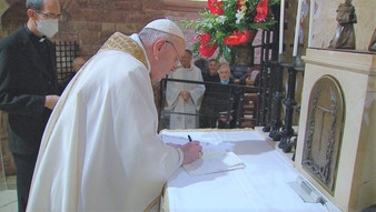 Le pape François signe une encyclique sur la fraternité et l'amitié sociale