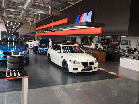 TUNGSTEN PRODUCES BRANDING AND SUPPLIES BOUNCEPADS TO BMW ZAMBESI AUTO M DEALER