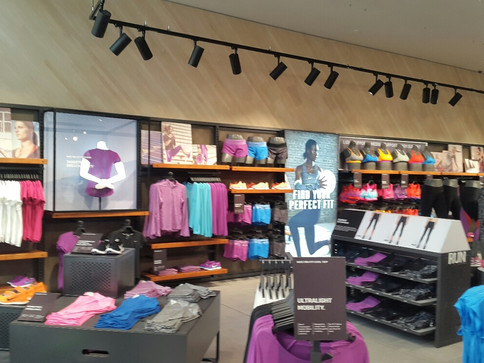 TUNGSTEN PRINTS IN-STORE GRAPHICS AND BUILDS FIRST NIKE WINDOW DISPLAY AT NEW TOTAL SPORTS - MALL OF