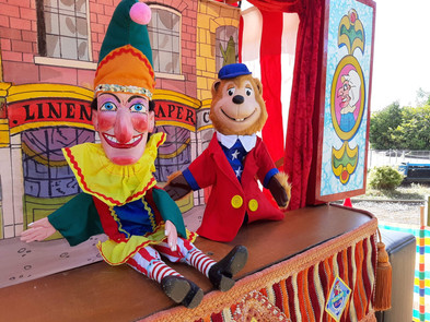 Punch, Judy and Woody!