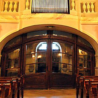 Kilencven éve született a templomkapu építésze