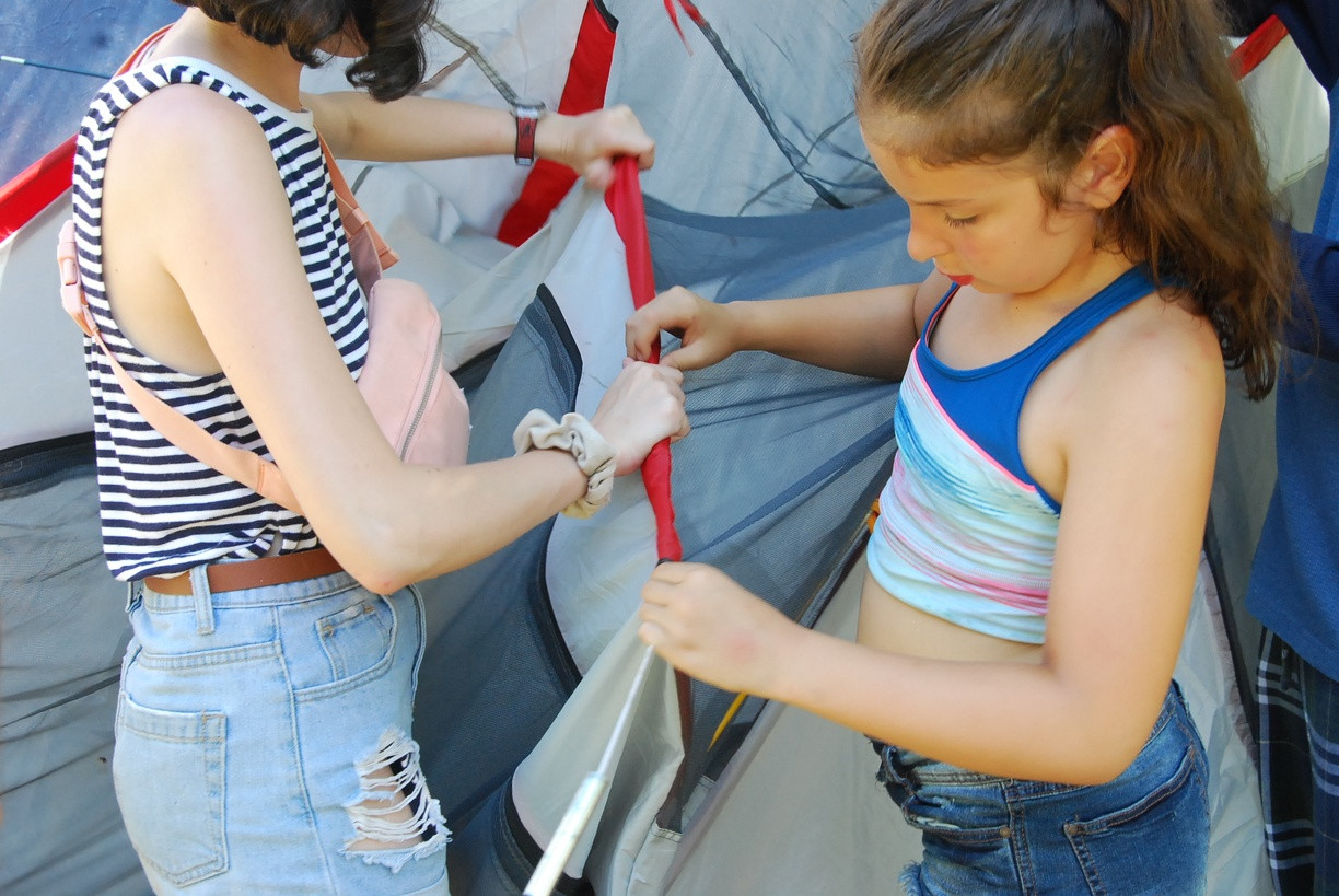 Setting up a Tent.jpg