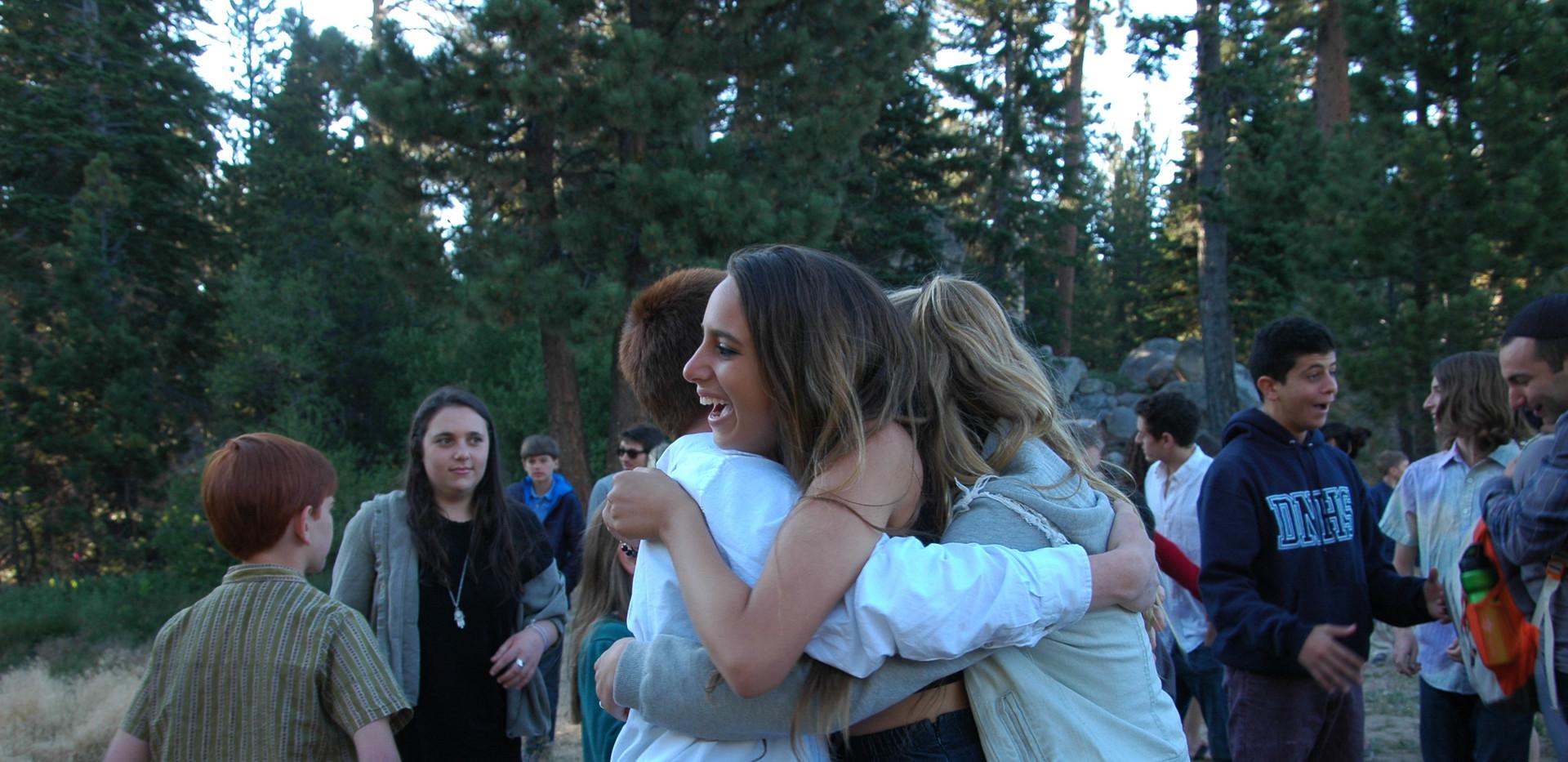 shabbat hugs.JPG