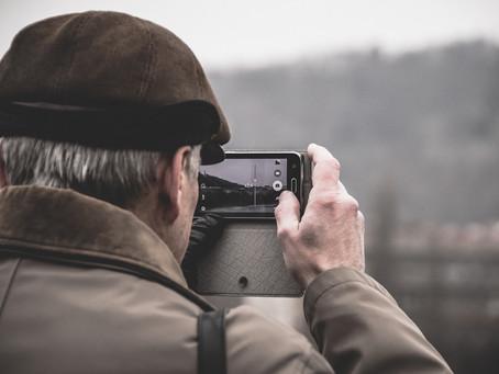 Como conversar com idosos sobre distanciamento social
