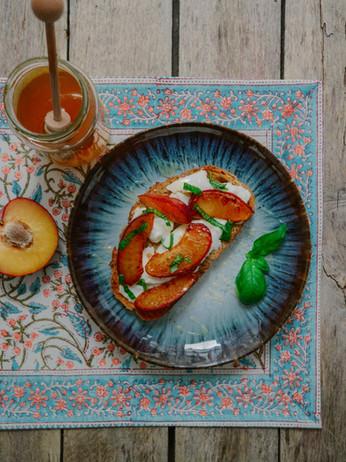 10 Days Of Toast - Day 9 - Burrata & Warm Stone Fruit