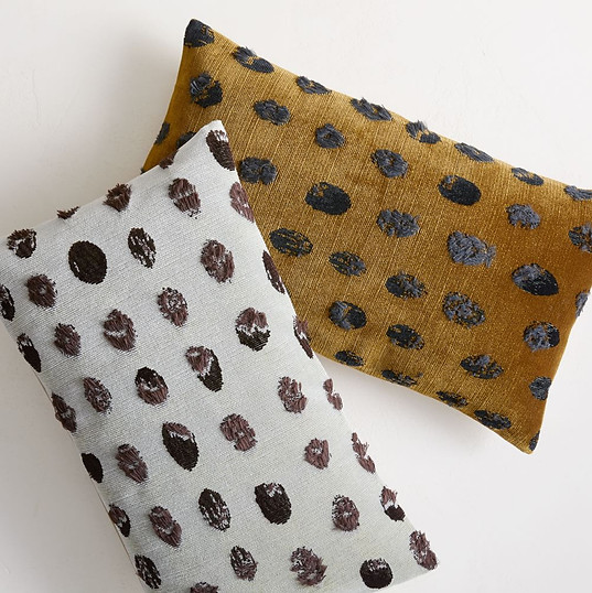 fading-dots-pillow-cover-t5862-202044-01