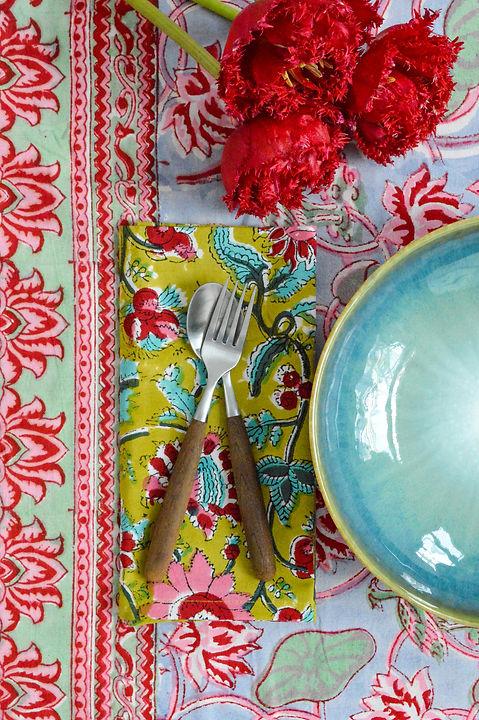 colorful_table_linen_raahi_living