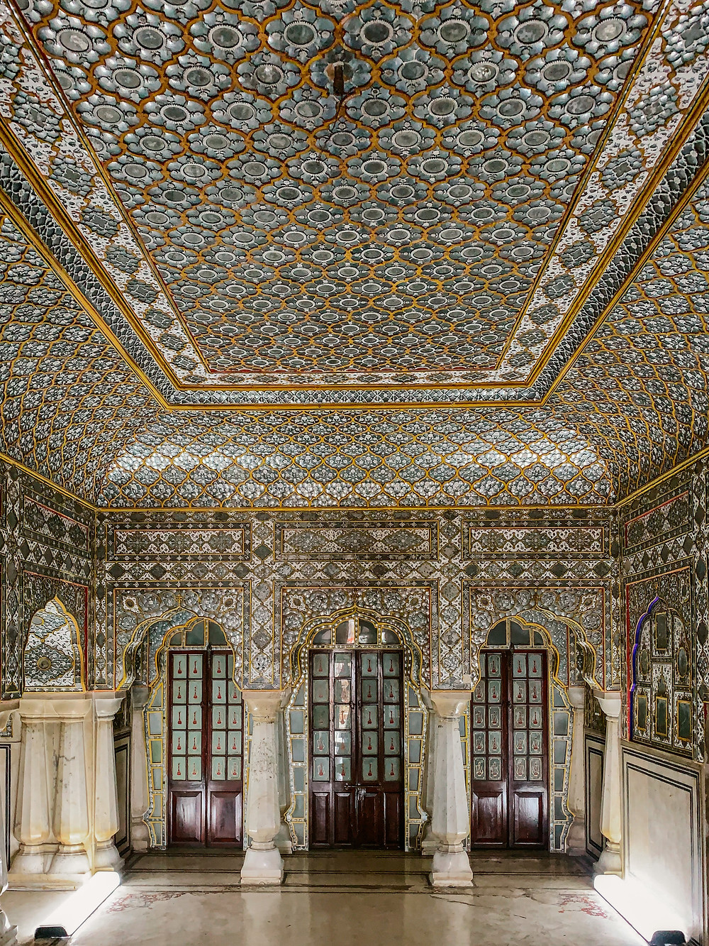 City Palace Jaipur Mirror room Sheesh Mahal. What to do and see in Jaipur. Must see Jaipur. Top sights Jaipur.  Free things to do in Jaipur
