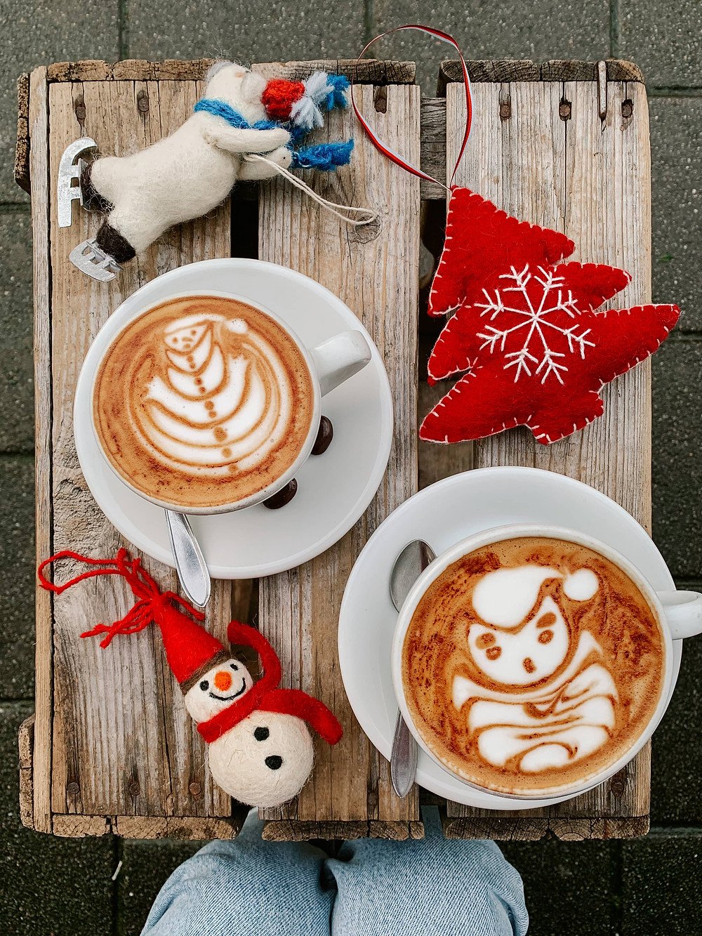 trakteren coffee latter art christmas latte art best latte art amsterdam