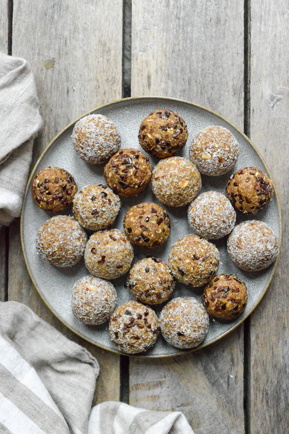 easy, no bake banana and oats energy balls with healthy nuts and maple syrup.