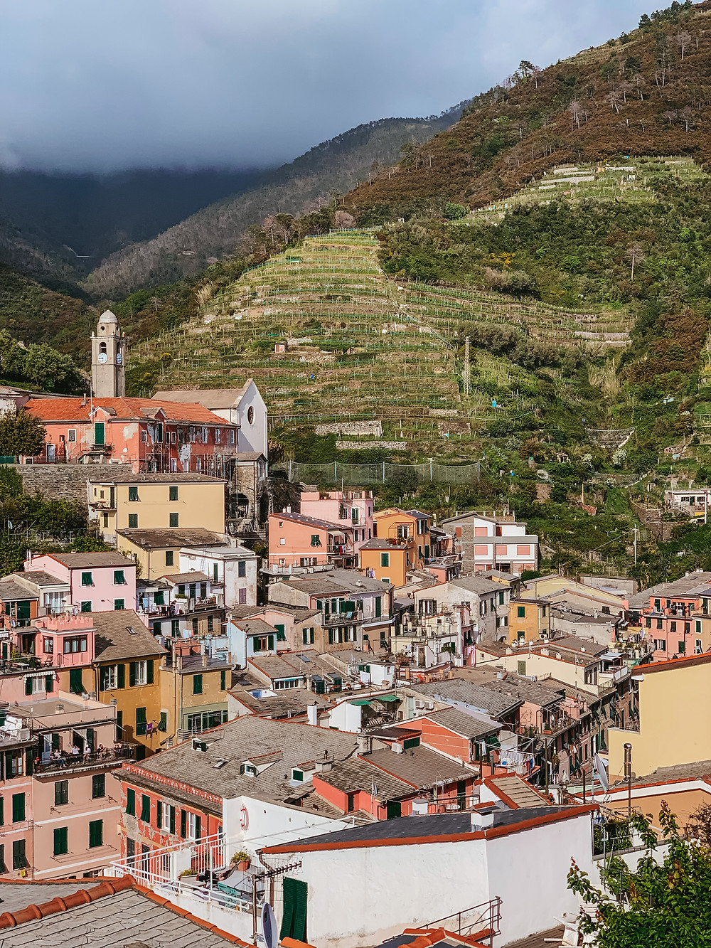 Vernazza best place to stay in cinque terre, where to stay in cinque terre, cinque terre villages, cinque terre village breakdown, which town to stay in cinque terre, vernazza view, instagram places in cinque terre