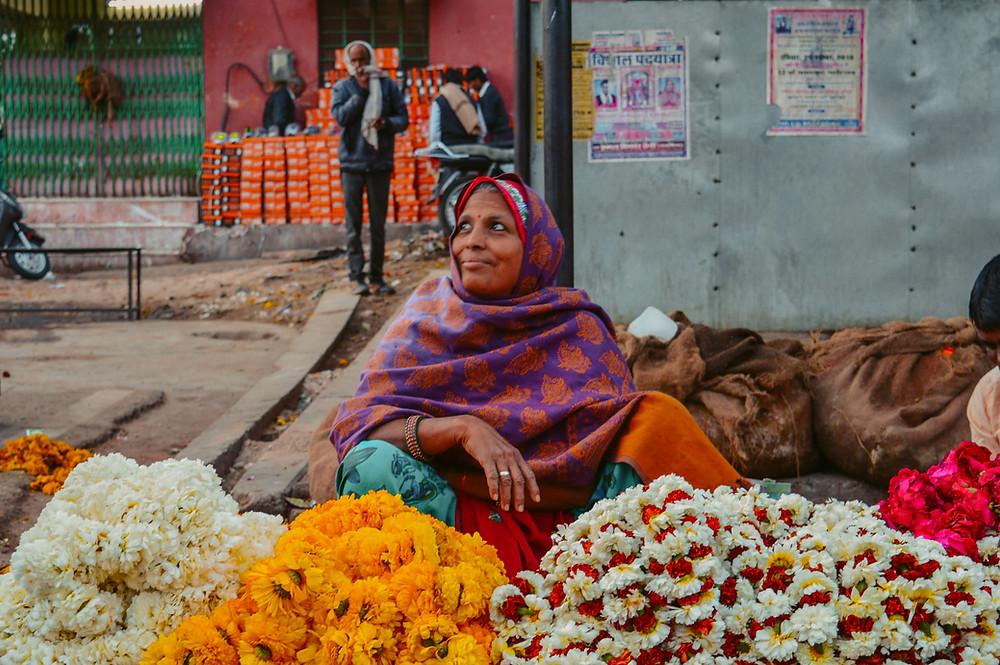 jaipur flower market, jaipur hidden gems, jaipur wholesale flower market, jaipur morning market, vegetable market jaipur, must visit jaipur, non tourist things to do in jaipur, jaipur secret gems, jaipur photography, where is jaipur flower market, jaipur flower sacks