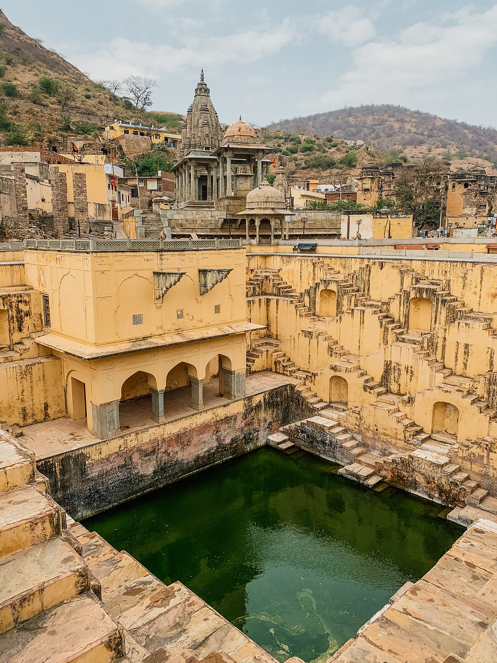 step wells jaipur, stairs jaipur, water well jaipur, instagram places in jaipur, pink steps in jaipur, free things to do in jaipur, what to see in jaipur
