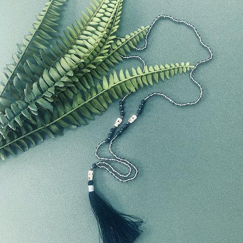 Artisan Tassel Necklace (black)