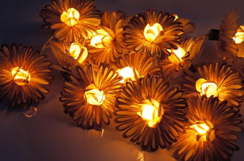Two tone sunflower string light