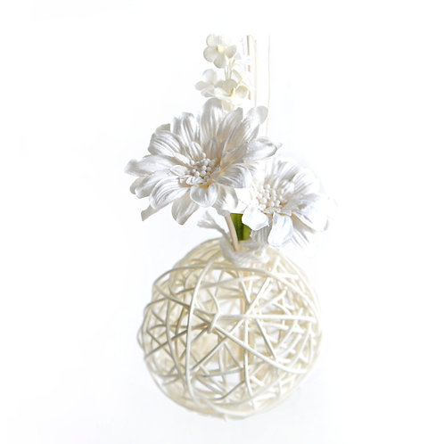 White Daisy Mulberry Paper Home  Fragrance  Diffuser Set .