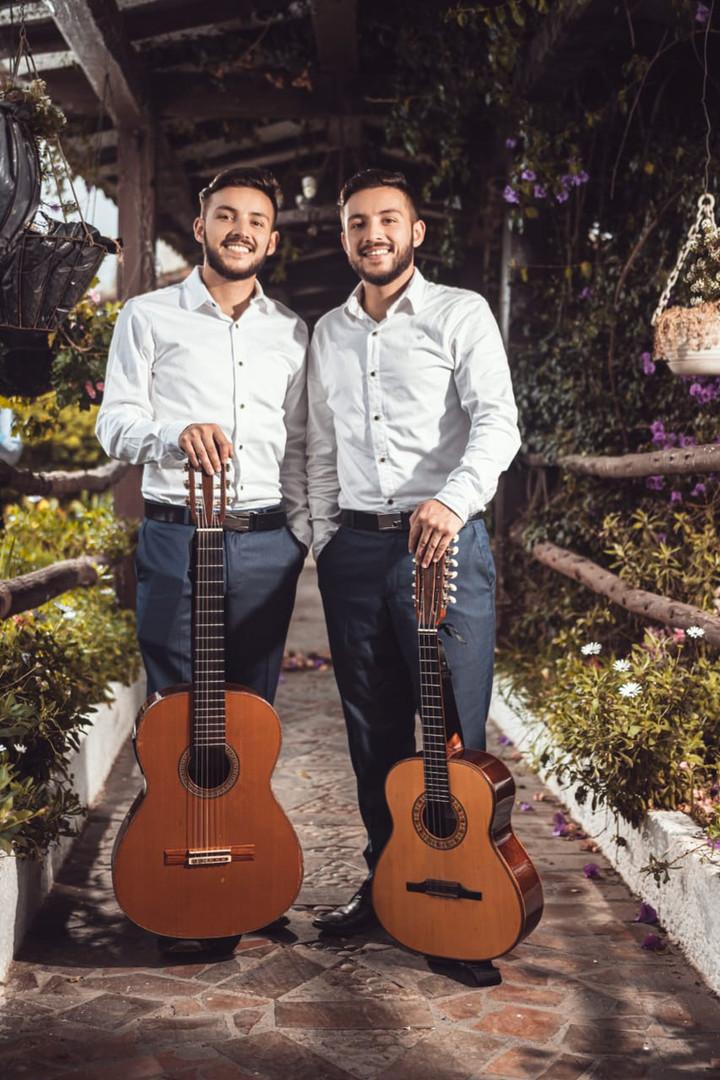 Dueto Hermanos Gonzáles