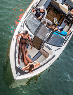 2016-25LSV_lifestyle-bow_lowres