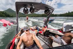 2016-23LSV_lifestyle-wakesurf2