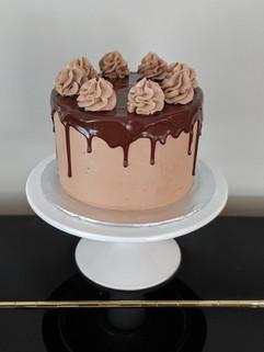 Chocolate Fudge Cake | Chocolate Buttercream | Chocolate Ganahce