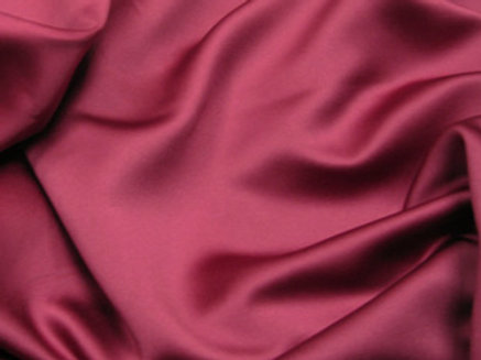 Lamour Satin Merlot Linens