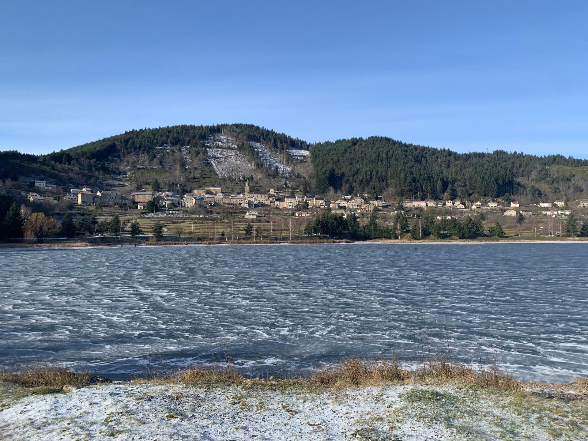 Un village sous le froid