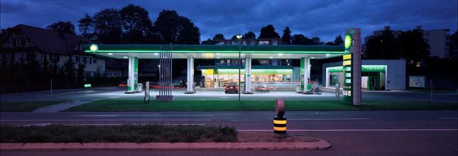 Industriefotografie Tankstelle in der Dämmerung