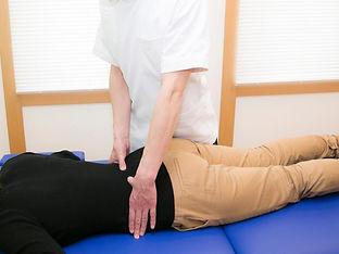 腰部の施術