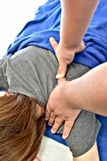 肩、背中の施術