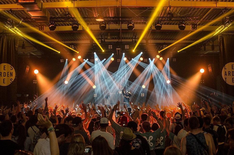 audience-1853662_1280.jpg