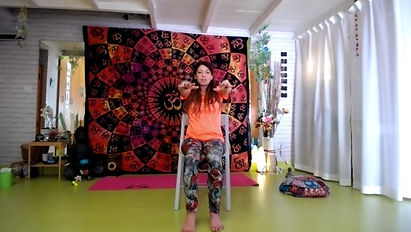 Aula de Yoga Suave c/ cadeira